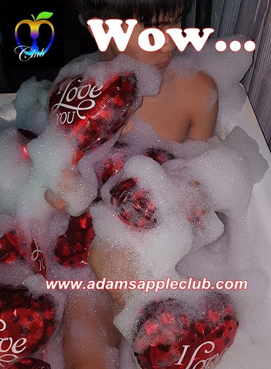 15.02.2018 Adams Apple Club badewannen show 9.jpg
